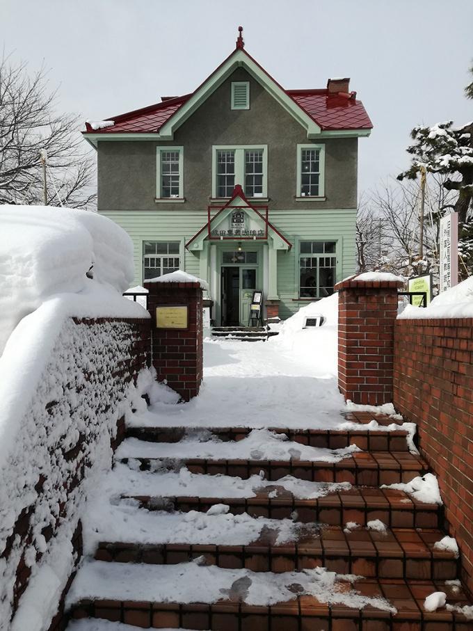 雪の中の弘大カフェ
