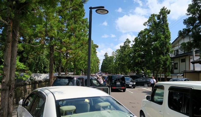 お寺が並ぶ禅林街は大渋滞