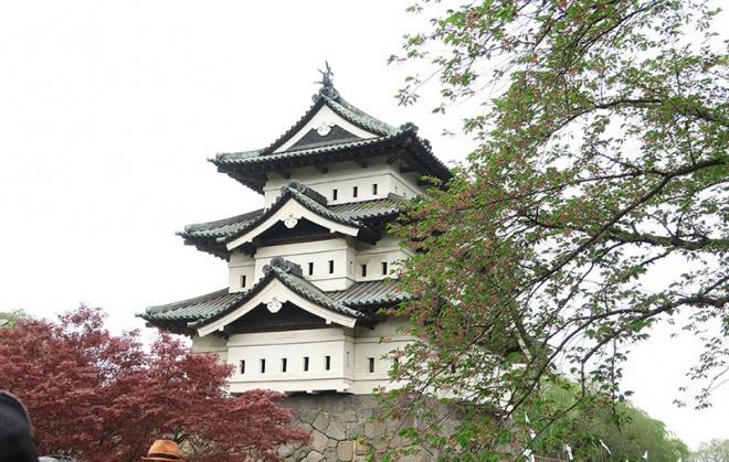 5月の弘前城