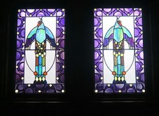 ステンドグラスの飾り窓