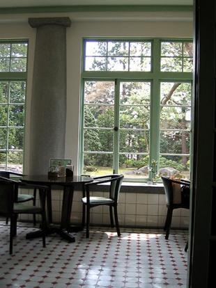 カフェのテラス席