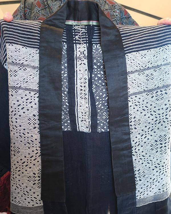 100年以上前に作られたこぎん刺しの着物