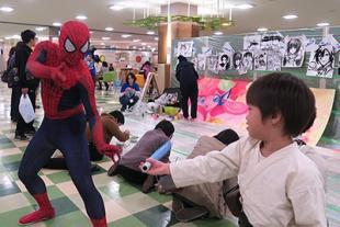 スパイダーマン対ルーク5歳