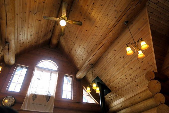 ログハウスの天井