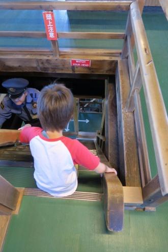 3階への階段の方が急です