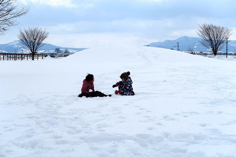 なぜか雪山でポケモン談義をする6歳児たち