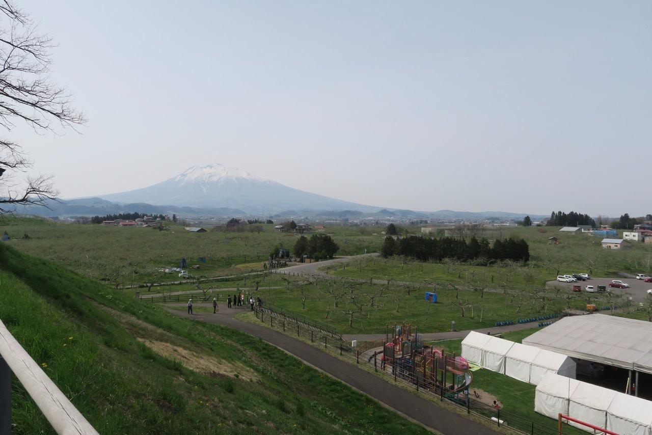 5月3日のりんご公園・すり鉢山展望台より