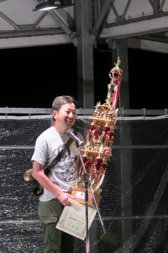 優勝したkimoriの高橋さん