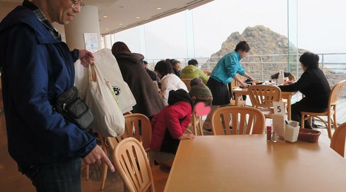 水族館内のレストラン「フルット」