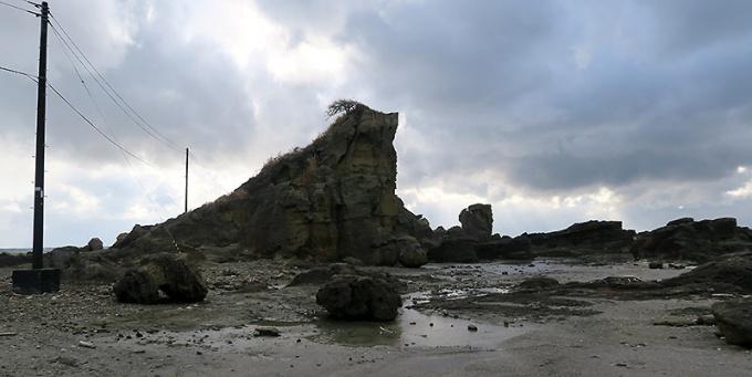 潮瀬崎の岩場