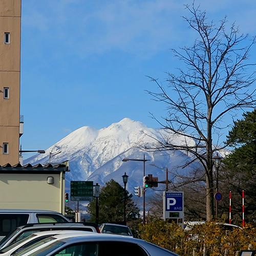 スタバ前から見た岩木山