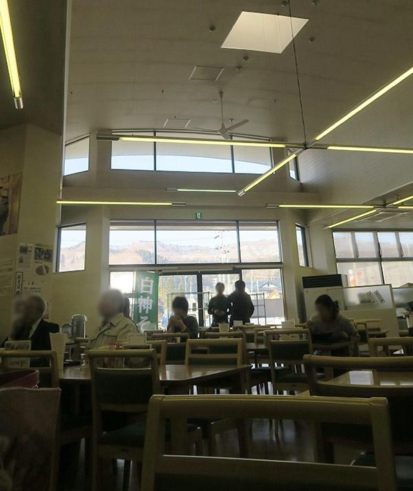 Beechにしめやのレストラン「森のドア」