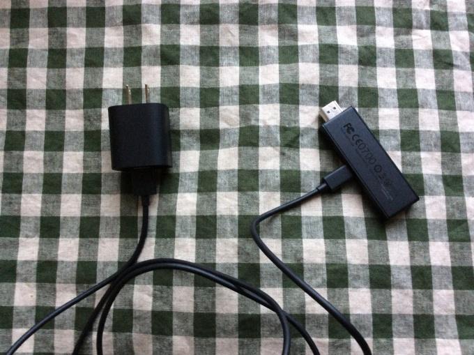 1:電源ケーブルとスティックをつなぐ