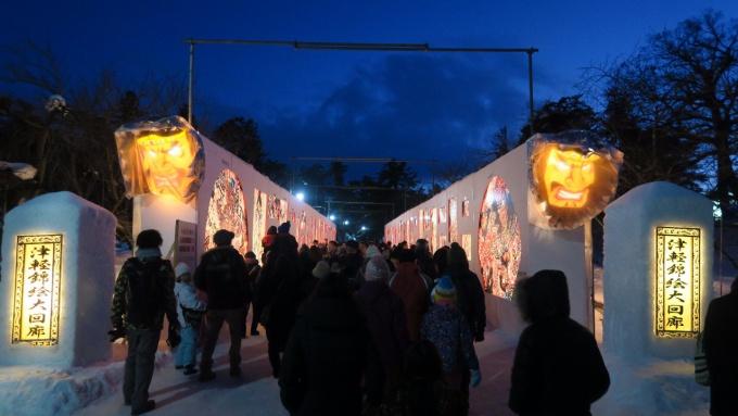 夜は明かりがともる津軽錦絵大回廊
