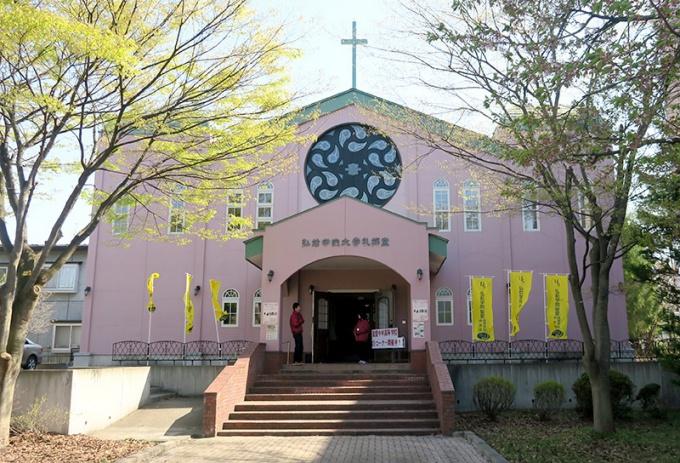 薄桃色の礼拝堂