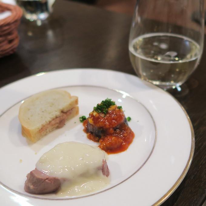 レストラン山崎のピンチョスとタムラシ―ドル