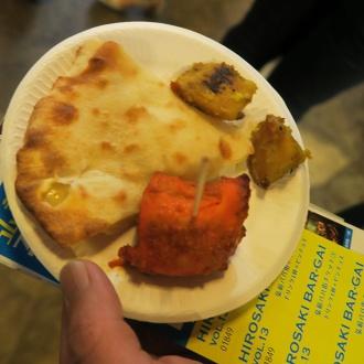 インド・ネパール居酒屋プルナのチーズナンなど