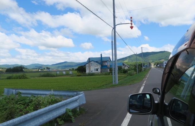 道道520号線を山方面へ向かう