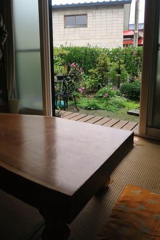 庭園が眺められる縁側付き和室