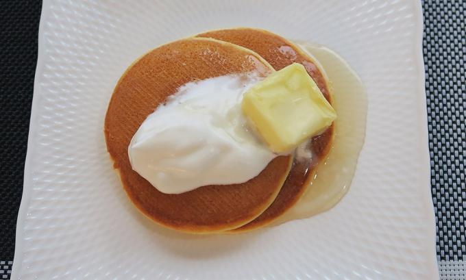 岩木山のメープルシロップがけパンケーキ