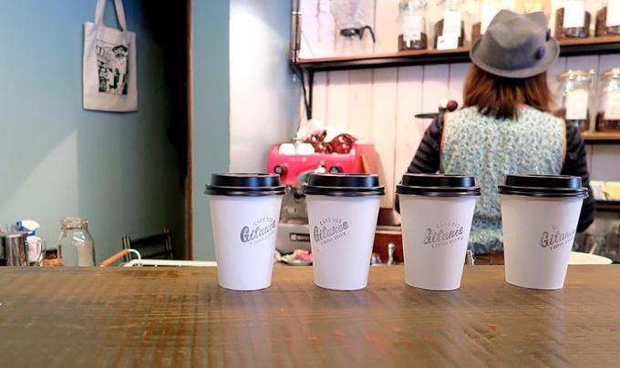 「カフェ・デ・ジターヌ」でコーヒーをテイクアウト