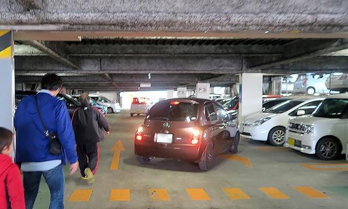 石巻市役所の立体駐車場