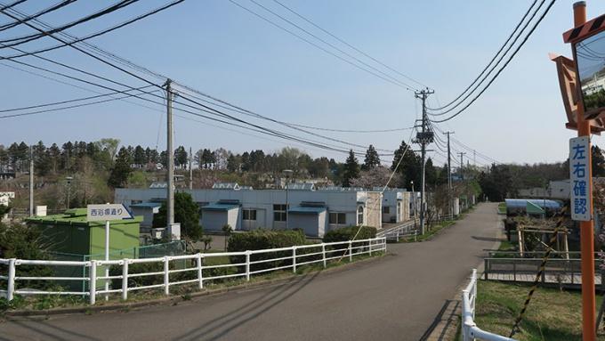 平屋の住宅が並んでいます