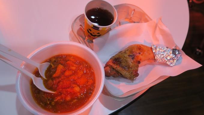 BASKのモモ焼きとトマト煮込み