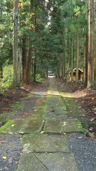 高照神社廟所への道