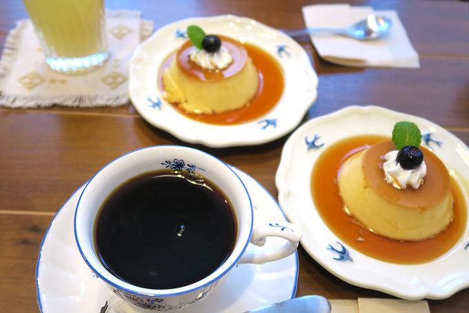 コーヒーとプリンとりんごジュース