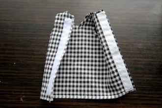 11:反対側の端に面テープ(凹)をぬいつける