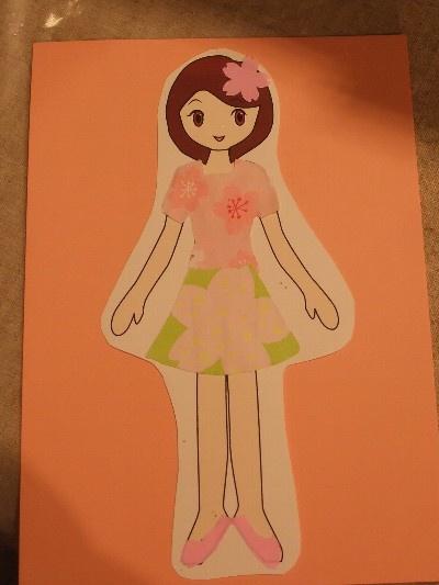 折り紙や桜型のパンチを使って