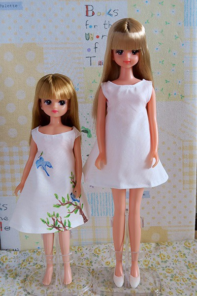 左:リカちゃん、右:ジェニー
