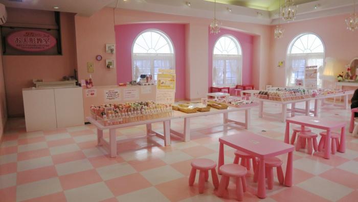 リカちゃんキャッスル内「お人形教室」