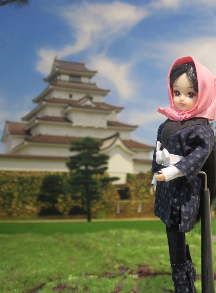 鶴ヶ城と目屋リカちゃん