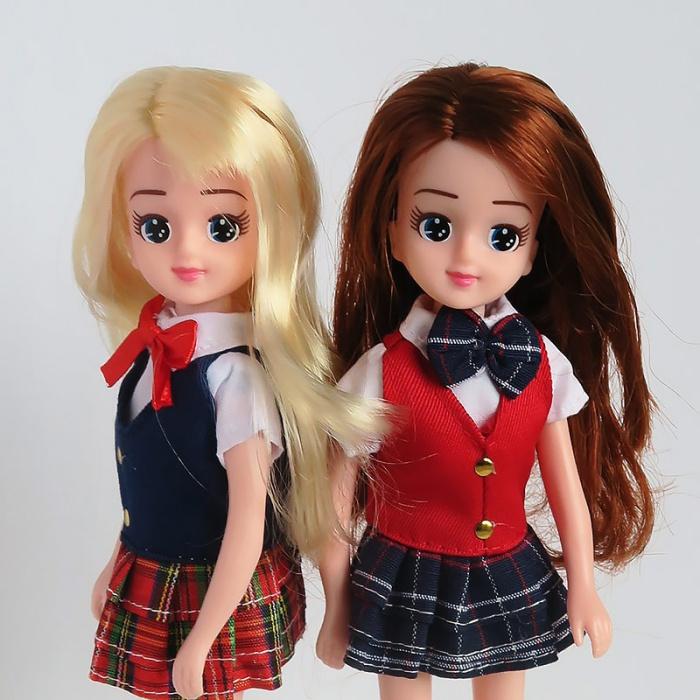 「ハイスクール」を着るエリーちゃんたち