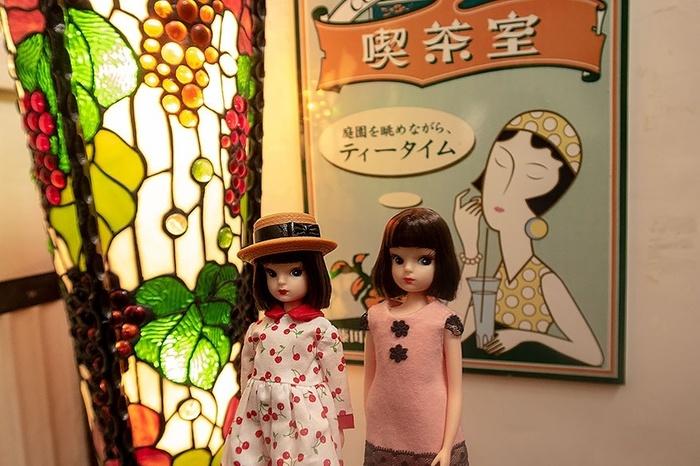 藤田記念庭園洋館喫茶室のエントランスにて