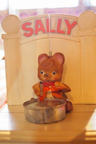 楽器の一つ、サリーちゃん